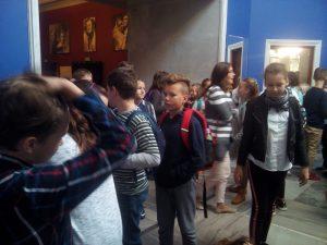 Wycieczka klas piątych do teatru oraz HistoryLand