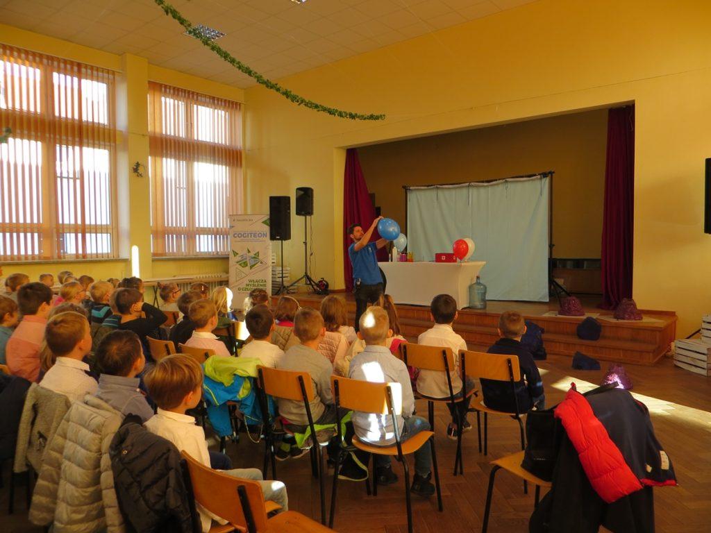 Pokaz naukowy w GOKiC w Mucharzu